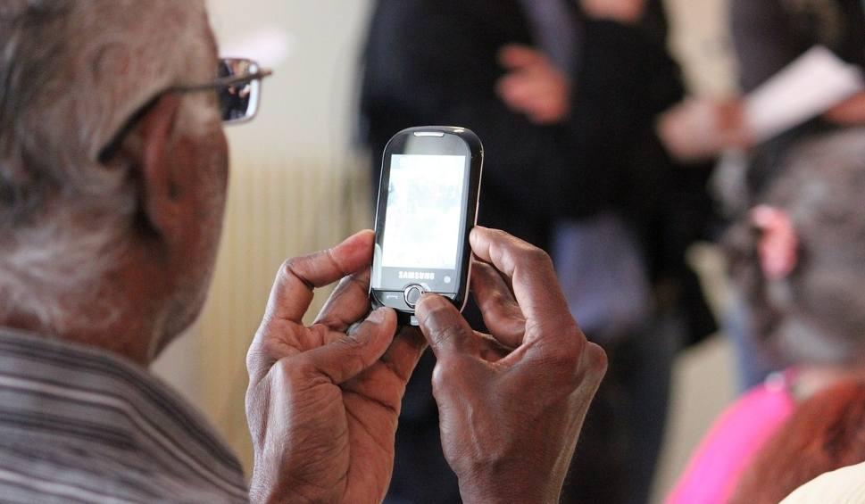 telefon dla seniora z gps