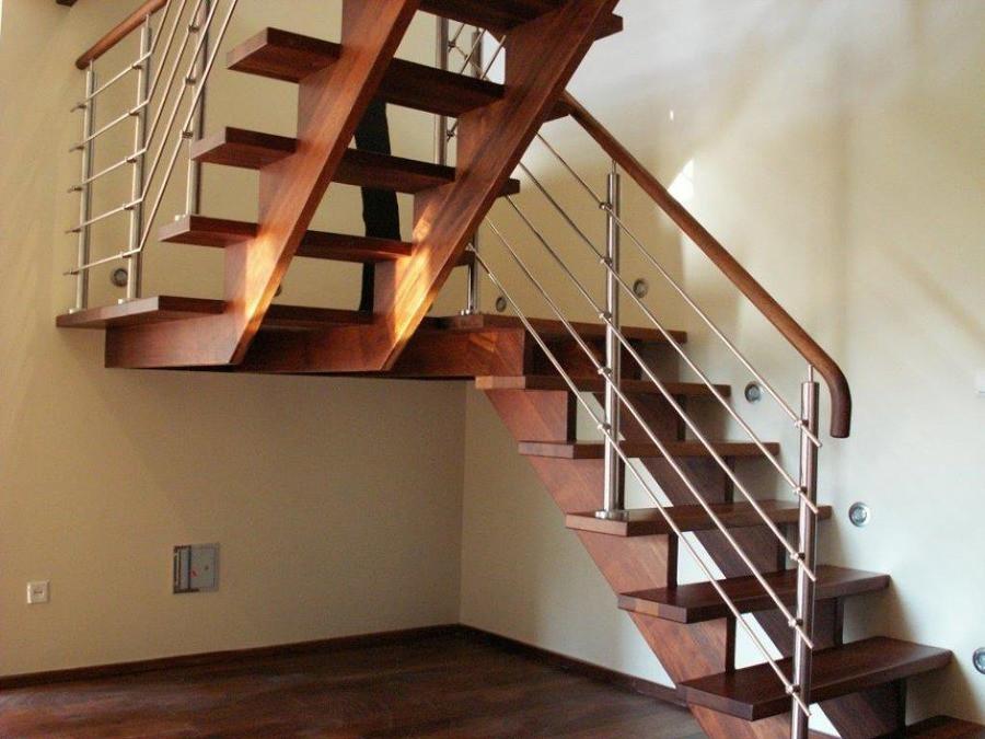 Schody drewniane na piętro